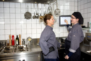 Kitchen Manager in de keuken van EEHT